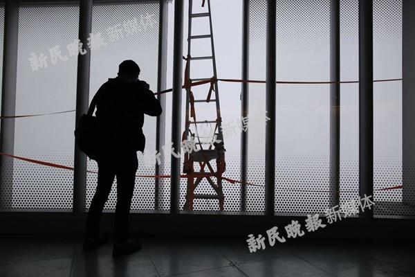 图说:镂空的幕墙。新民晚报新民网记者萧君玮 摄