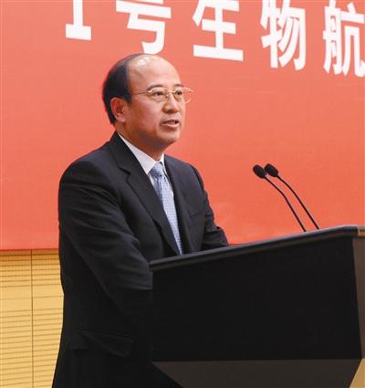 2014年2月,北京,戴厚良在1号动物航空火油适航颁奖典礼上发言。图/CFP