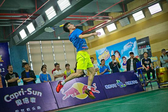冠军队江苏新程在男单比赛中