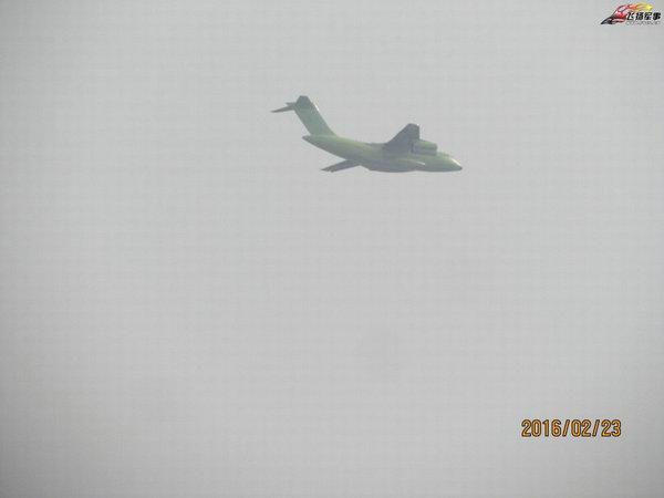 图为多日不见的运-20重型运输机又开始试飞了,据目击者称其编号为789号。