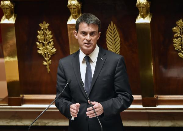 法国总理动用宪法 强行通过劳动法修改草案