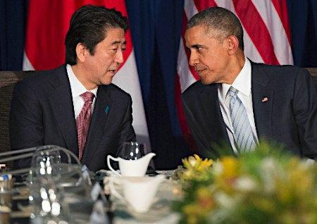 资料图:安倍与奥巴马(右)