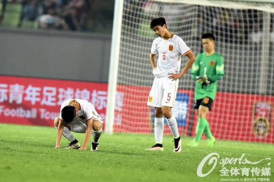 中国队遭遇惨败