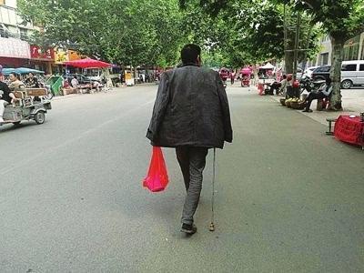 河南农夫杨违法。