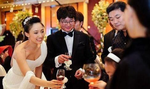 2012年,演员白静被丈夫周成海刺杀身亡,周成海随后自杀.