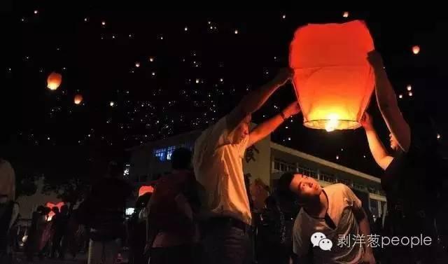 """毛坦厂:""""高考镇""""神话 荐文"""