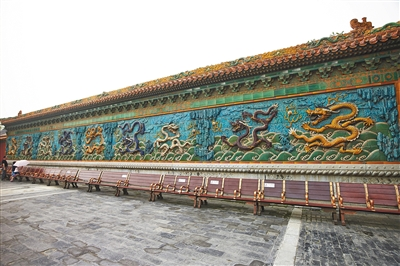 2014年7月7日拍摄的故宫博物院九龙壁。资料图片/视觉中国