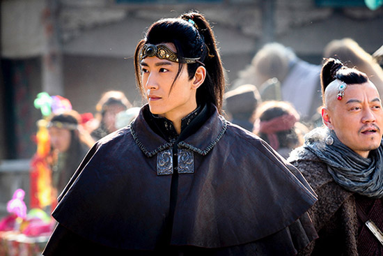 张峻宁黑袍造型