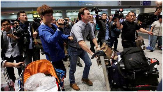 海斯回到了北京