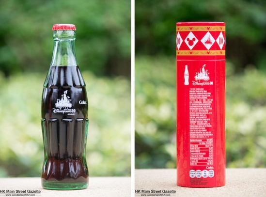 两个品牌就共同推出了下面这款限量版的十周年可口可乐纪念瓶,瓶身的图片