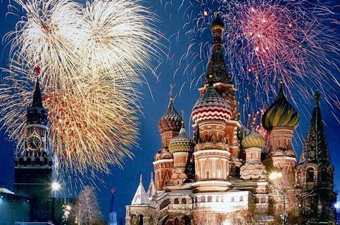 迪士尼/上海迪士尼旅游人均要花多少钱,贵不贵?哪些人更愿意花钱去...
