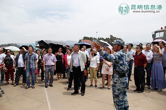 介绍部队组建以来完成重大任务所取得的优异成绩.