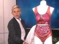 《艾伦秀第13季片花》S13E163 艾伦展示恶趣味泳衣 为希拉里特质泳衣