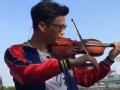 《极限挑战第二季片花》王迅展示小提琴技艺 引工作人员鼓掌欢呼