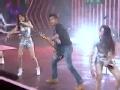 《蜜蜂少女队片花》第十二期 谢霆锋携少女演唱《黄种人》 全场气氛燃热