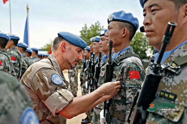 联合国维和部队军营遭炸弹袭击 驻有中国军人图片
