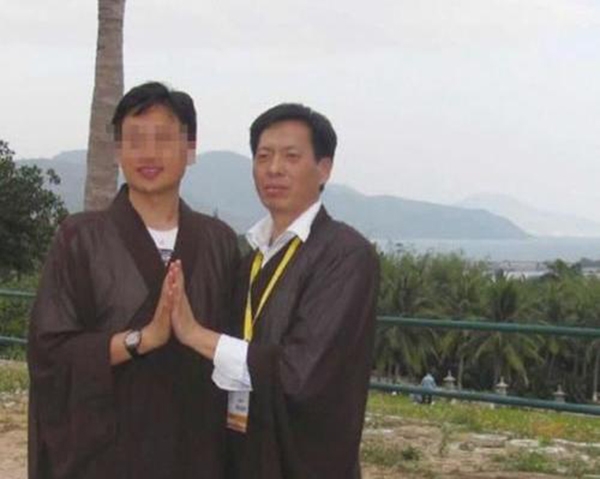 华东理工大学研二门生李鹏的导师张建雨(右)。