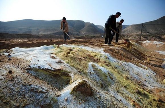 从土壤污染的分布情况来看,中国南方的土壤污染重于北方,长三角、珠三角、东北老工业基地等部分区域土壤污染问题较为突出,西南、中南地区土壤重金属超标范围较大,镉、汞、砷、铅四种无机污染物含量分布呈现从西北到东南、从东北到西南方向逐渐升高的态势。