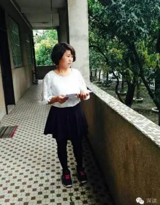 6月1日,钱仁凤向云南省高院提起新规范国度抵偿,对其蒙冤下狱的13年10个月,请求国度抵偿总计955万余元。这一数额较5月16日从前的旧规范超出了近55万元。为了等新规范的出台,钱仁凤和状师等了足足半年。