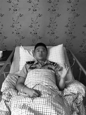 刘子豪在医院休养 浙江省公安厅供图