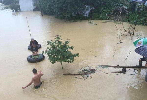 王璋涛筹算此日在故乡摆酒。不意,当天,本地遭逢了大暴雨。
