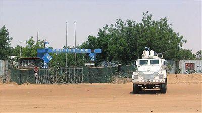 本地时刻6月1日,马里加奥,结合国维和部队货车停在国家结合国维和职员营区。图/视觉国家