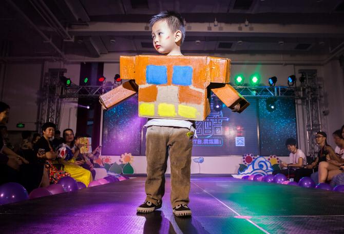 芬尼酷猴幼儿园上演废品时装秀宣传环保,幼儿