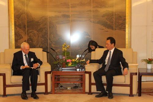 2016年6月13日,交际部副部长王超会晤来华拜访的国际移民安排总做事斯温。