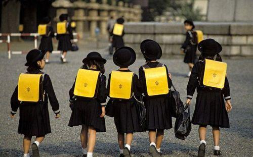 日本小学生_对比一下!日本小学生每月零花钱仅30-40元-搜狐新闻