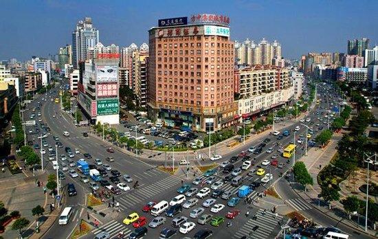 """对于很多中小企业主而言,想到""""往外挪一挪""""的时候,很少会选择成本较低的东南亚国家。"""
