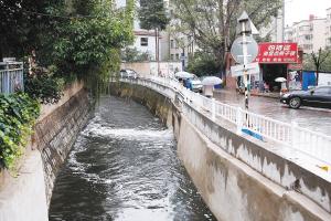 第五水质净化厂的尾水又重新排入金汁河 都市时报记者 郎晓伟