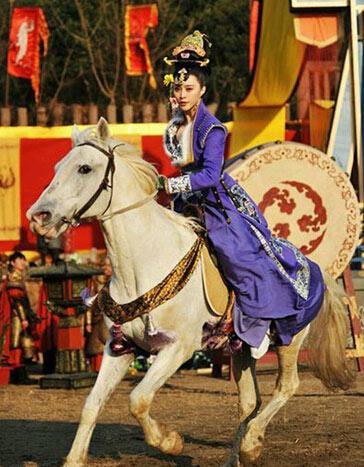 古代女子的体育运动:跳舞骑马打球为取悦男人李小萌v女子图片