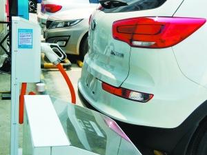 位于北京亚运村汽车市场的东风悦达起亚4S店已停止售车,转换品牌。