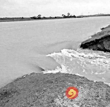 江西鄱阳水库泄洪河堤溃口:5600人被困4小时,连夜转移1.3万人.