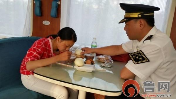 财经新闻滚动_搜狐资讯       送走产妇,刘凯利也没了睡意,开始做终到