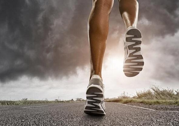 澳大利亚科学家语出惊人 穿运动鞋跑步容易受伤