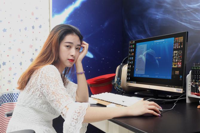 妹妹情色片-在线观看_对于靓靓来说,电脑主要的需求就是:修美照,玩网游,看电影,因此