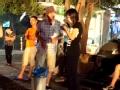 《极限挑战第二季片花》孙红雷假摔遇好心人相助 乔装老年人街头问路