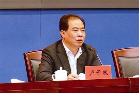 此外,吕锡文、王阳也被发现严重违反工作纪律,干预和插手市场经济活动。