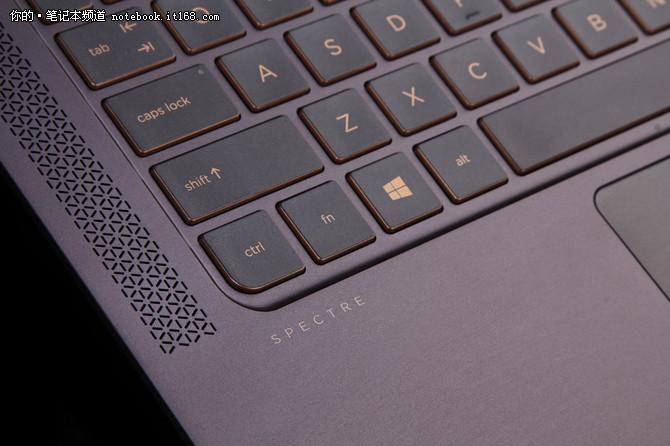 键盘:占整机厚度18键程深度 手感舒适