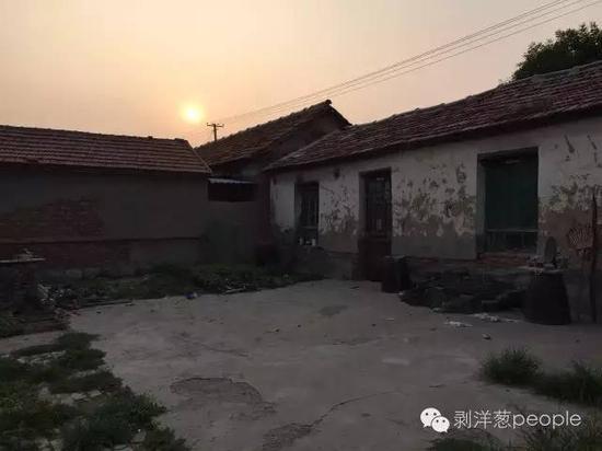 犯法怀疑人王立军的家。新京报记者刘子珩_摄