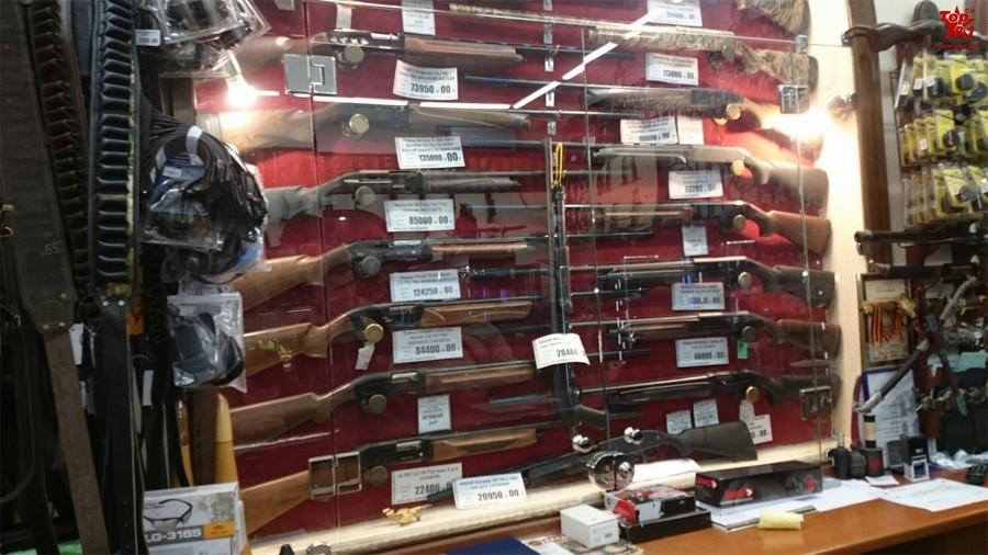 【组图】中国网友在海参崴逛枪店惊呆了(组图