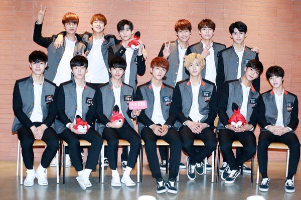 """搜狐视频探访到以盛产""""花美男乐队""""而闻名的韩国造星工厂之一FNC Entertainment,带领大家探访即将出道的新人团体Neoz。(点击进入组图)"""