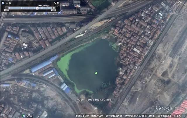 武汉垂危的暗地里:卫星图提醒触目惊心的湖泊填埋历程