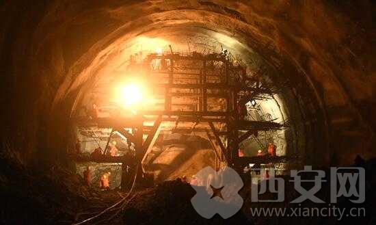 西成高铁秦岭天华山隧道顺利贯通 蜀道难已成旧事
