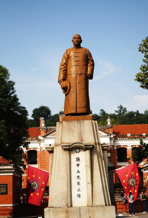 武汉市,辛亥反动博物馆,孙中山铜像。 东方IC 材料图