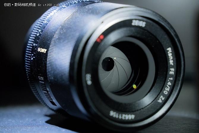 7月上市 索尼发布FE 50mm f1.4 ZA镜头