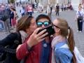 《花样男团片花》第五期 陆毅得两美女同时拥吻 欧弟当翻译干看羡慕