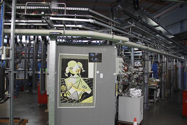 索雷的科学家在同步辐射核心一个试验室设施上粘贴的画。