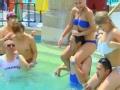 《花样男团片花》第六期 男团裸身下水画面高污 贾乃亮肩扛美女陷混战